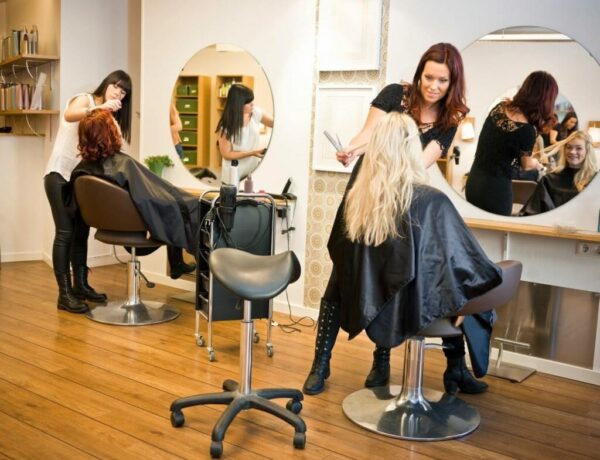 six-things-your-hairdresser-wished-you-knew-2